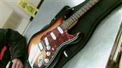 FENDER/SQUIRE GUITAR STRATOCASTER (CHINA)